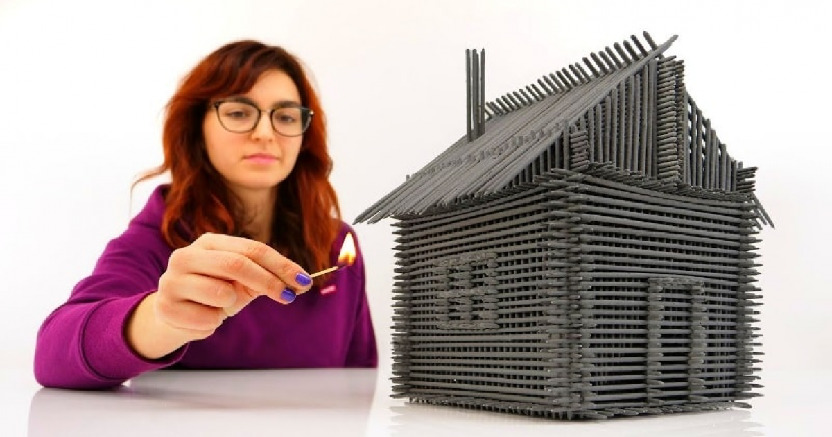 Build House From Sparklers Without Glue.